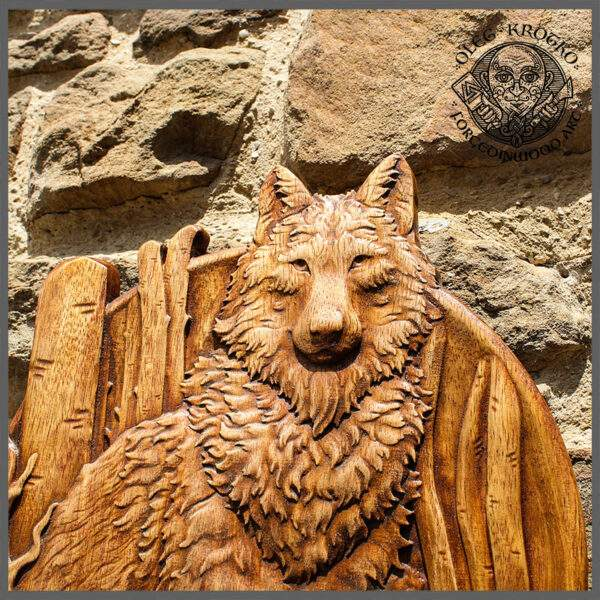 Wolf wood carving