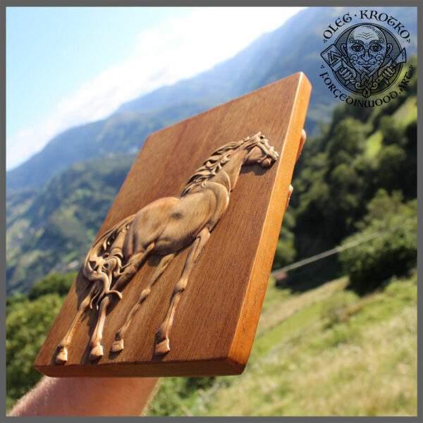 Animal art carvings