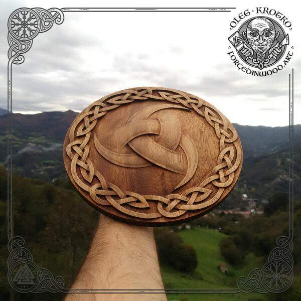 triple horn of odin wood carving