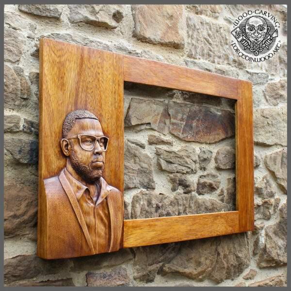 Custom portrait frame