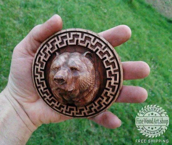 Bear in Svasticas frame