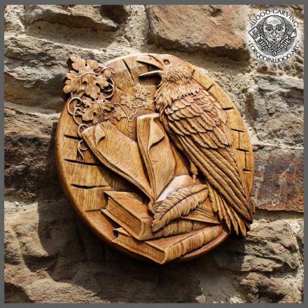 raven animal carving