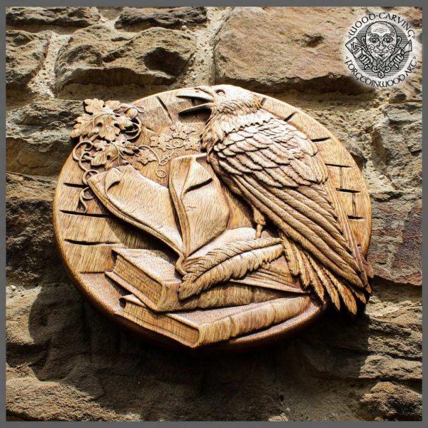 Raven round plaque wall art