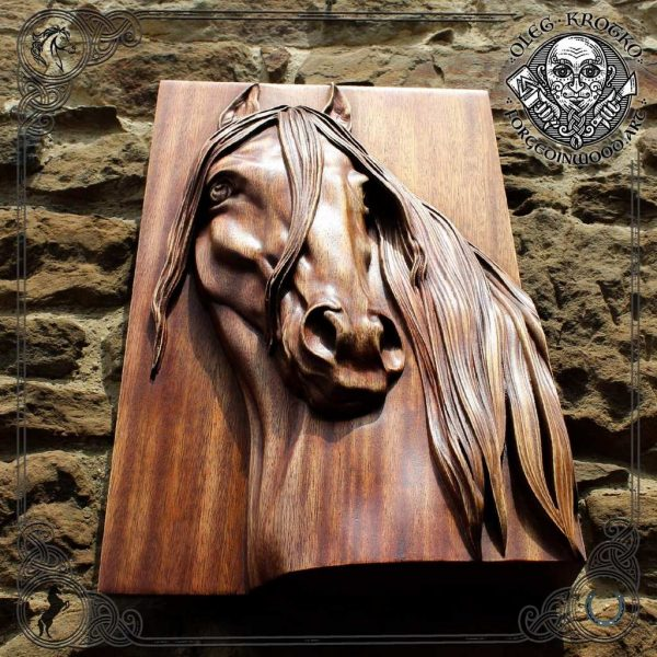 horse head carving