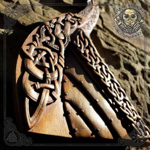 Drakkar carvings