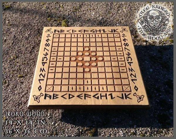 hnefatafl viking game wood carving