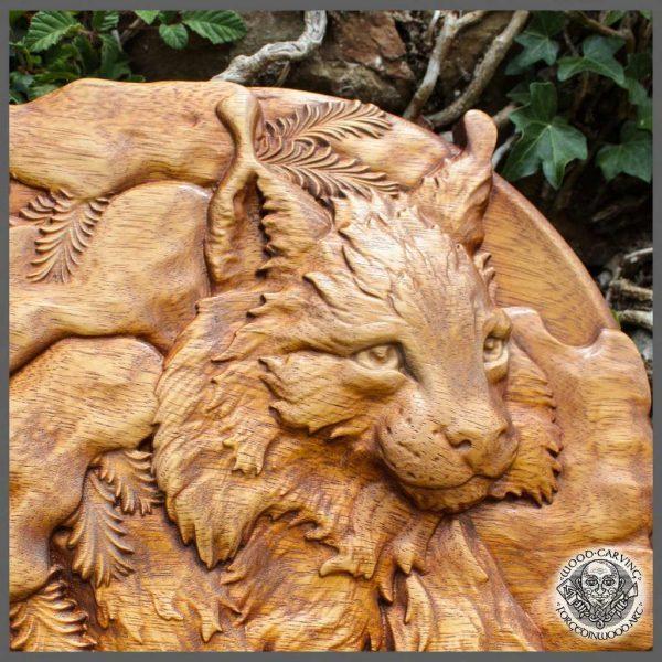 Lynx wildlife art carving