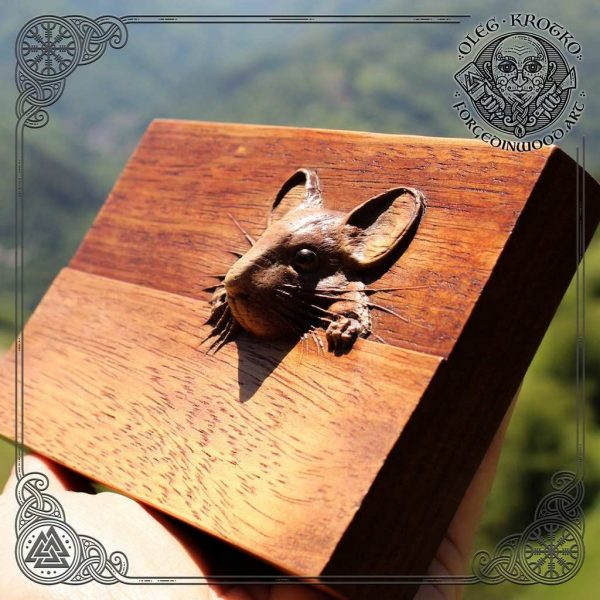 lovely wooden mouse