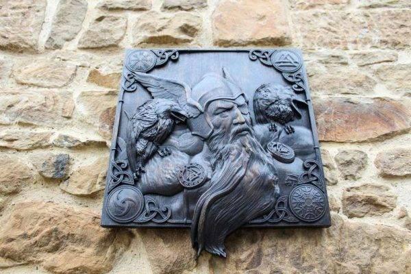 Odin Ravens wood carved
