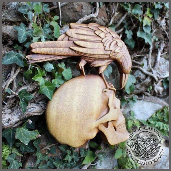 munin and hugin wood carving