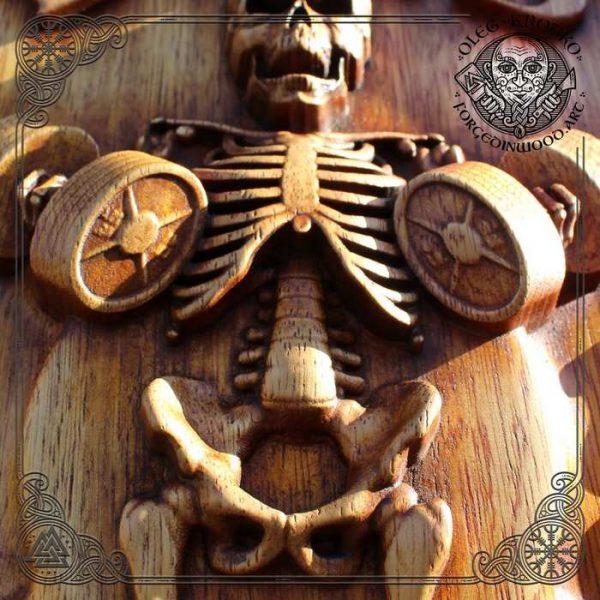 Skeleton wall decor