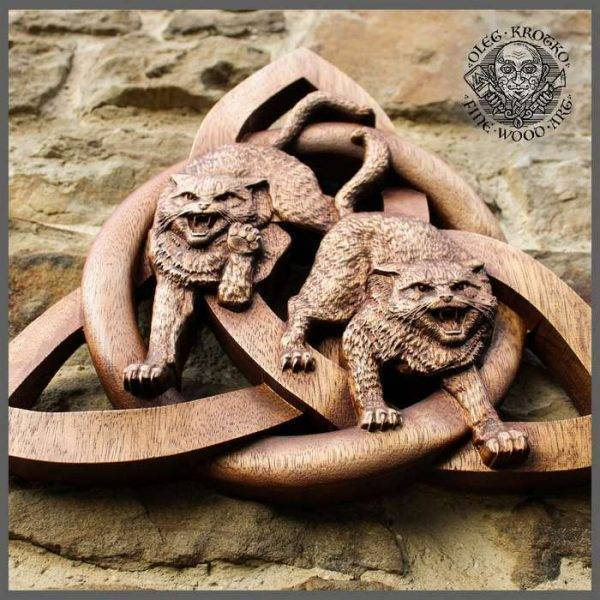 Symbol Viking carving Cats on the Magic Knot
