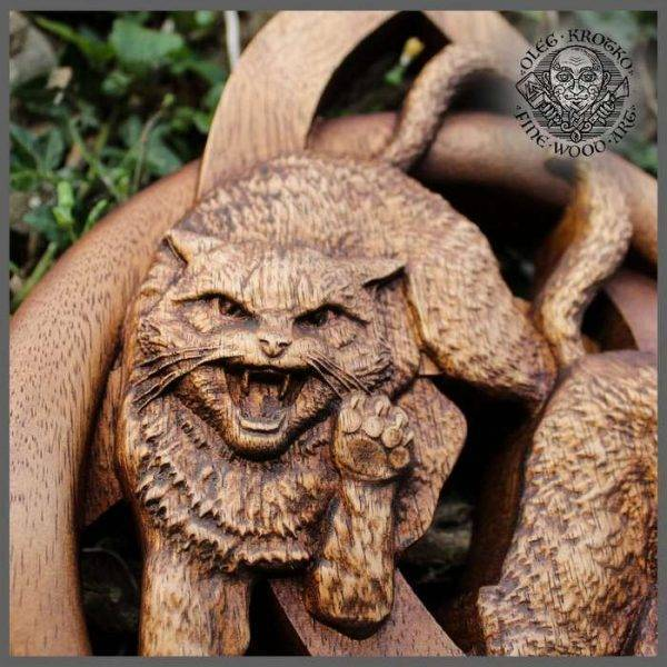 triquetra norse wood carving Cats