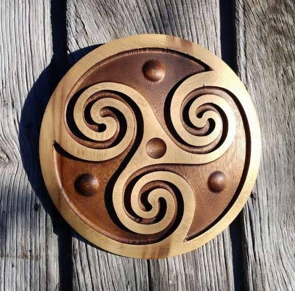 triskel viking carving handmade
