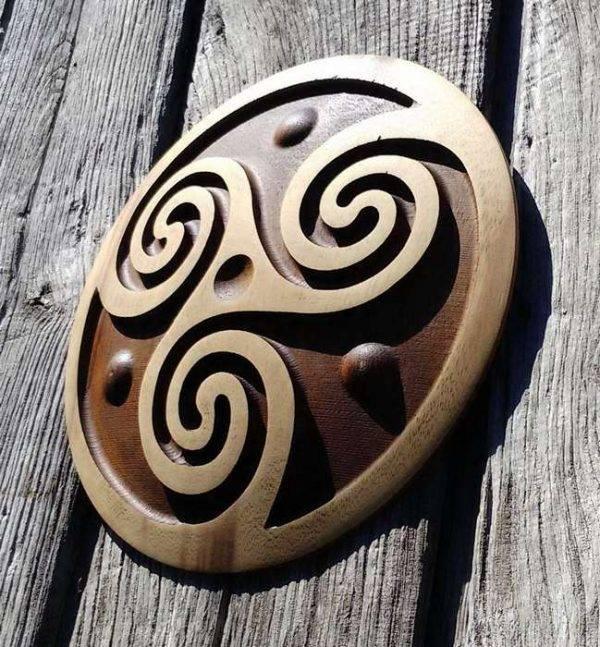 triskel carving handmade