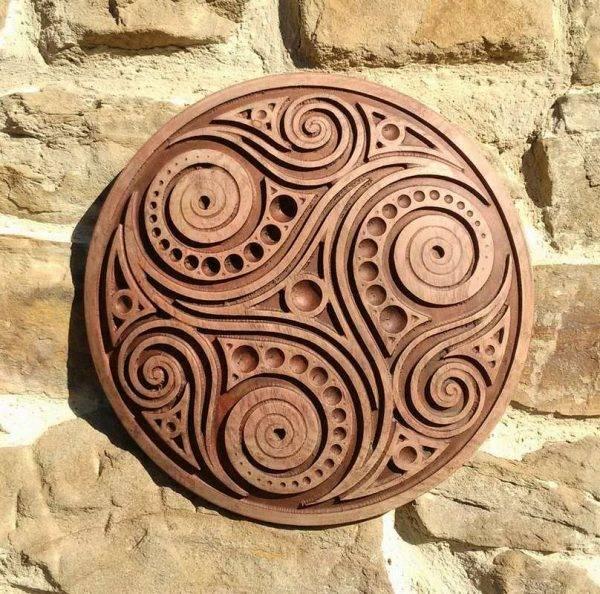 Trisquel viking woodcraft
