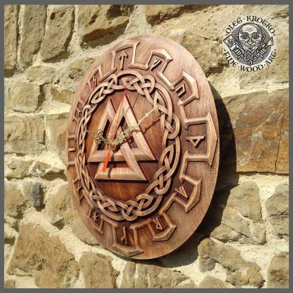 Walknut Clock carving wall art