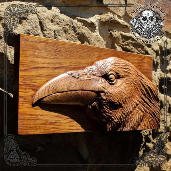 Wood raven carving